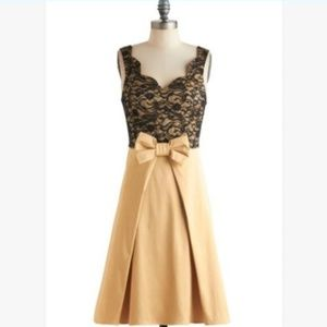 NWT Modcloth Live, Love, Lavender Dress in Gold L